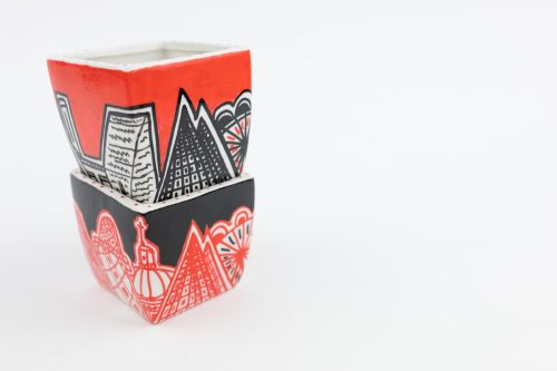 Plant pot black and red